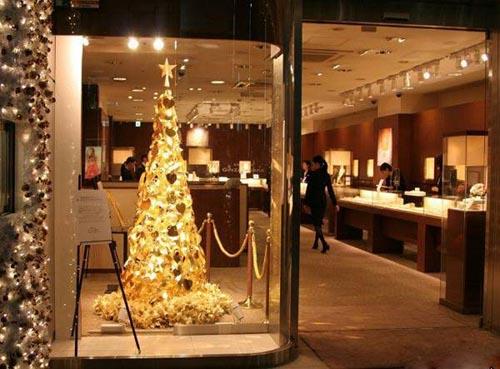 گران ترین درخت کریسمس جهان از جنس طلا +تصاویر