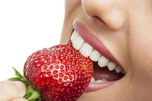 خوراکیهای سفید کننده دندان