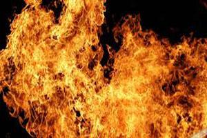 آتش گرفتن نوازنده گیتار در حال اجرای کنسرت +عکس