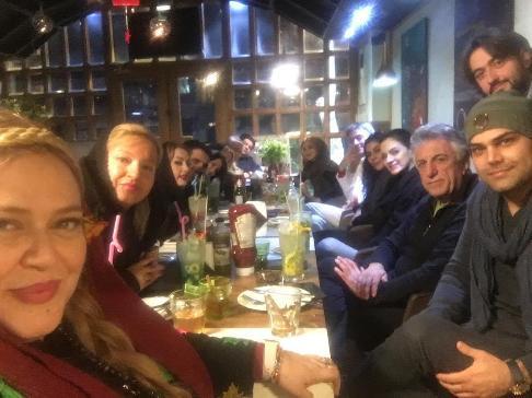 مراسم جشن تولد بهاره رهنما در کنار بازیگران