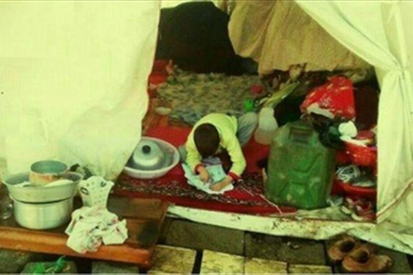 زندگی کودک فومنی و خانواده اش بدون یارانه در چادر برفی+تصاویر