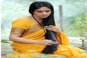 زن زیبای هندی نذر عجیبش را ادا کرد +تصاویر