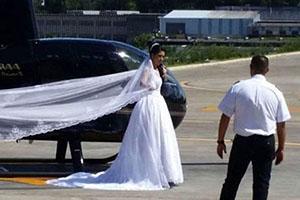 سقوط عروس با هلیکوپتر لحظاتی قبل عقد +تصاویر