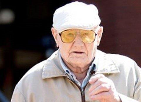 محاکمه پیرمرد 101 ساله به جرم تجاوز +عکس