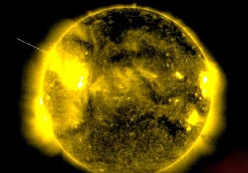 فیلم تکاندهنده موجودات فضایی در کنار خورشید +عکس