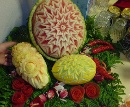 زیباترین مدلهای میوه آرایی و تزئین هندوانه یلدا