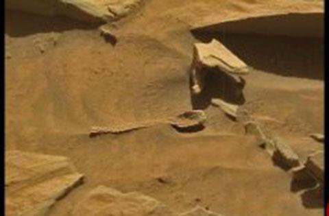 کشف عجیب قاشق فضایی ها در مریخ +عکس