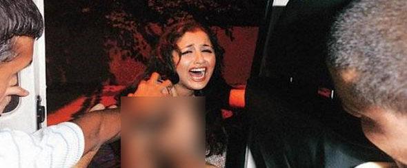 حمله مرد برهنه به دختر دانشجوی لخت در حمام +عکس