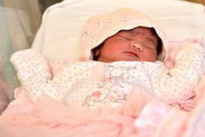 اولین نوزادی که در سال 2017 متولد شد +تصاویر