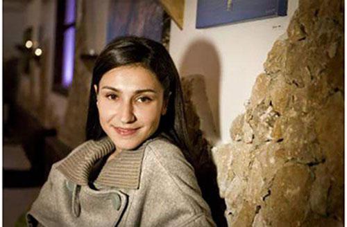 محبوبیت بالای خواننده زن ایرانی در سوئد +عگس