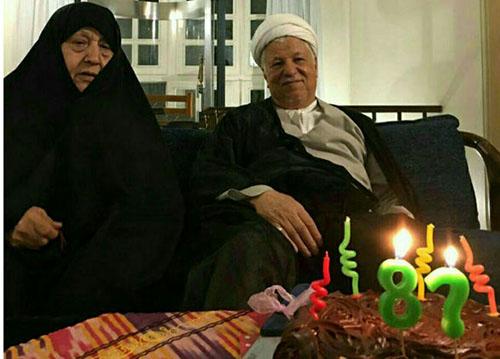 عکس آخرین جشن تولد آیت الله هاشمی در کنار همسرش