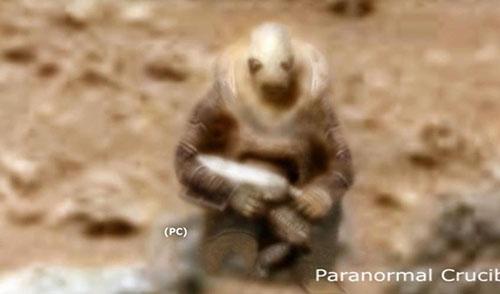 کشف آدم فضایی مسلح در مریخ + عکس