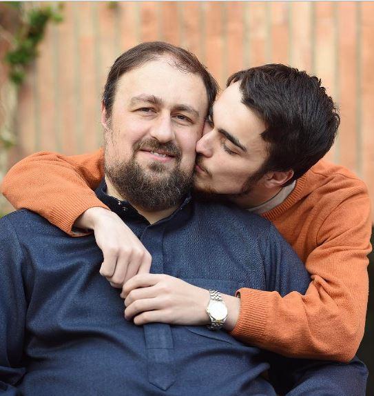 عکس عاشقانه سید احمد خمینی در روز ولنتاین
