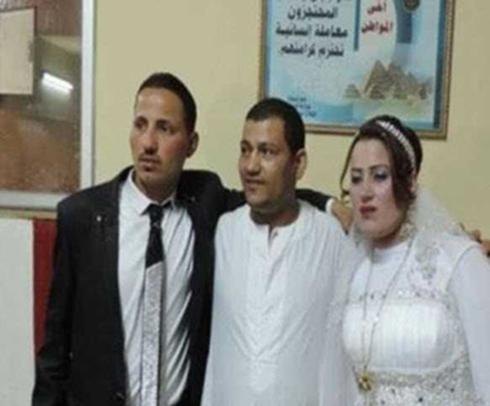 جشن عروسی در اداره پلیس (تصاویر)