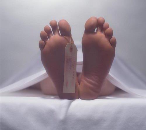 این پسر نوجوان در تشییع جنازه اش زنده شد (تصاویر)
