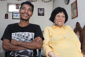 ازدواج عاشقانه پسر 28 ساله با عروس 82 ساله (تصاویر)