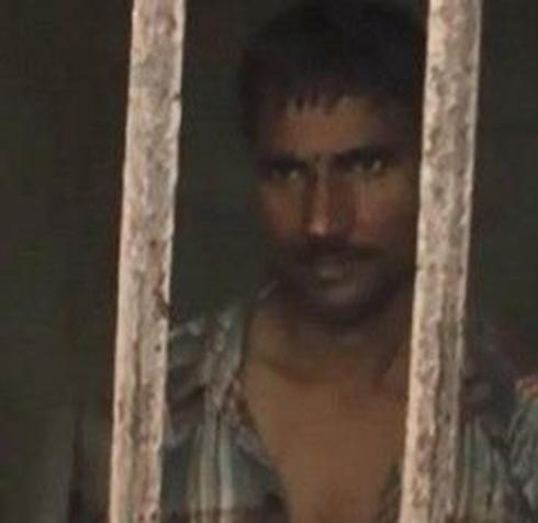 مرد آدمخوار حین خوردن گوشت محمد 7 ساله دستگیر شد (عکس)