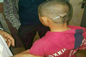 دانش آموز رودباری معلم خود را بخشید (فیلم و عکس)