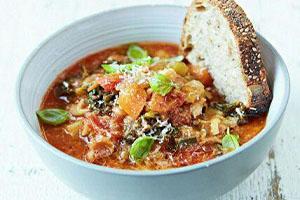 روش پخت سوپ نیروزا برای روزهای خانه تکانی