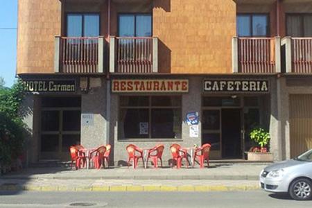 نقره داغ صاحب رستوران بخاطر فرار دسته جمعی مشتریان (عکس)