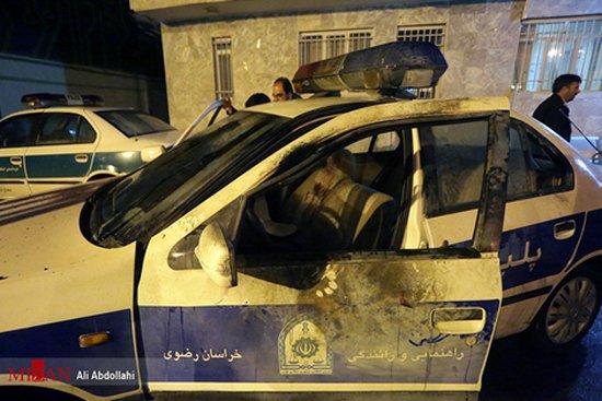 تصاویر پرتاب ترقه داخل ماشین پلیس (فیلم و عکس 18+)