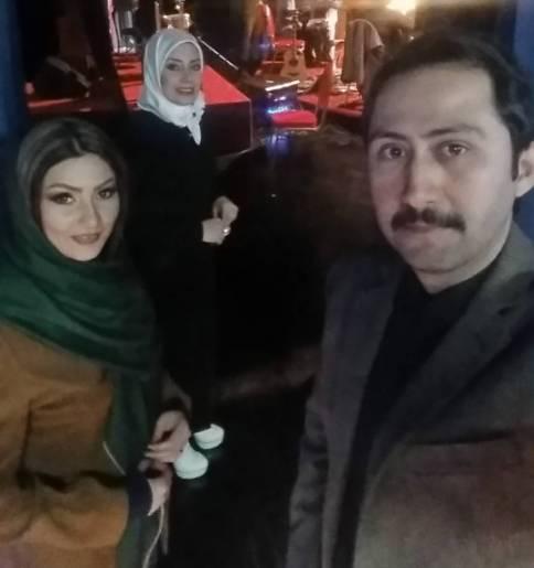 عکس جالب خانم مجری معروف در جشن تولد خواهرش
