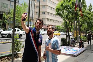 جنجال کافه گردی لیونل مسی در تهران (تصاویر)