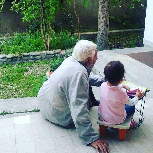 عکس جدید دختر مهناز افشار در کنار پدربزرگش