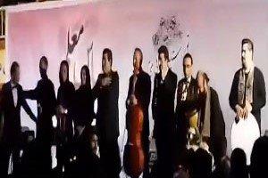 واکنش سالار عقیلی بعد از سقوط از روی سن (فیلم و عکس)