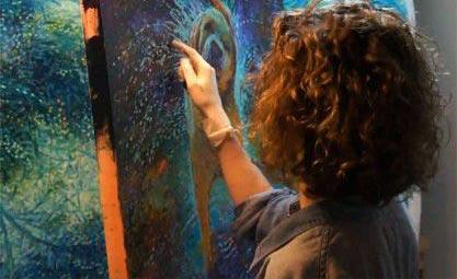 شگفت انگیزترین زن نقاش دنیا (عکس)