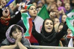 دختران ایرانی پشت درهای بسته ماندند (عکس)
