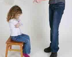 این رفتارها باعث آسیب به روان کودکتان میشود