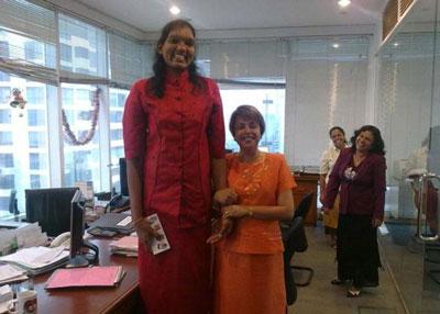 بلند قدترین دختر دنیا را بشناسید (عکس)