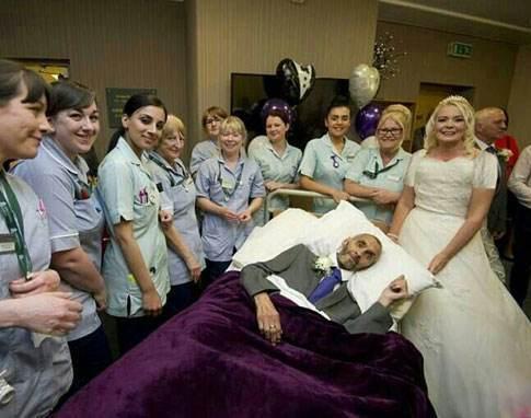 ازدواج این زن با معشوقه در حال مرگش (عکس)