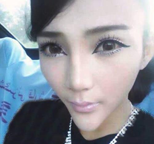 معروف شدن این دختر بخاطر فرم جالب صورتش (عکس)