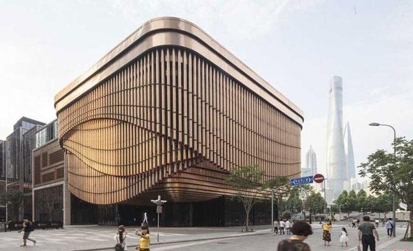 نمای بسیار زیبا از یک ساختمان متحرک در شانگهای
