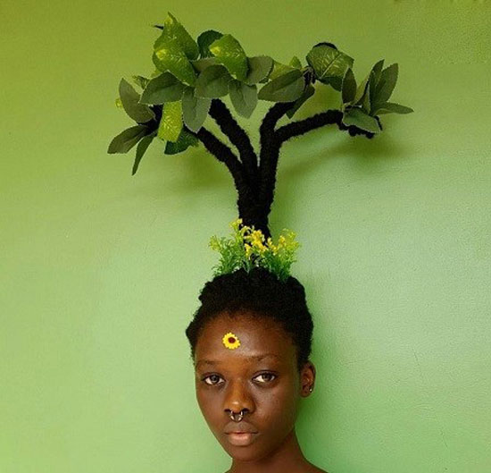 این دختر با موهای خود مجسمه می سازد (عکس)