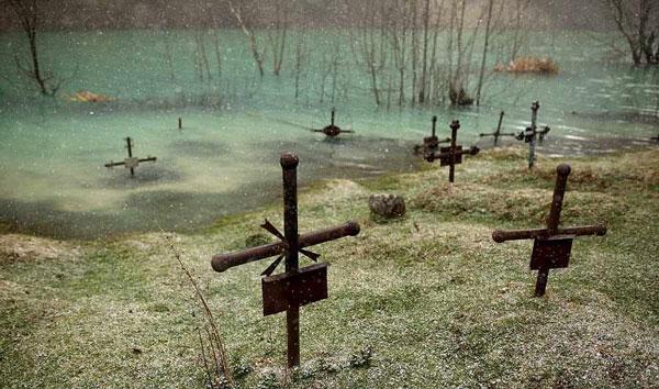 عکسهای دیدنی از شهر ارواح در زیر آب