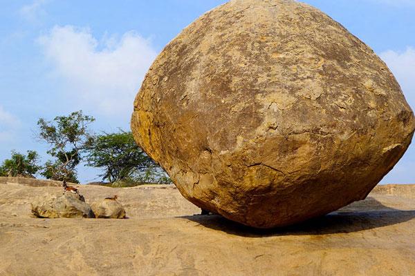 این سنگ عجیب قوانین فیزیک را زیرسوال برد (عکس)