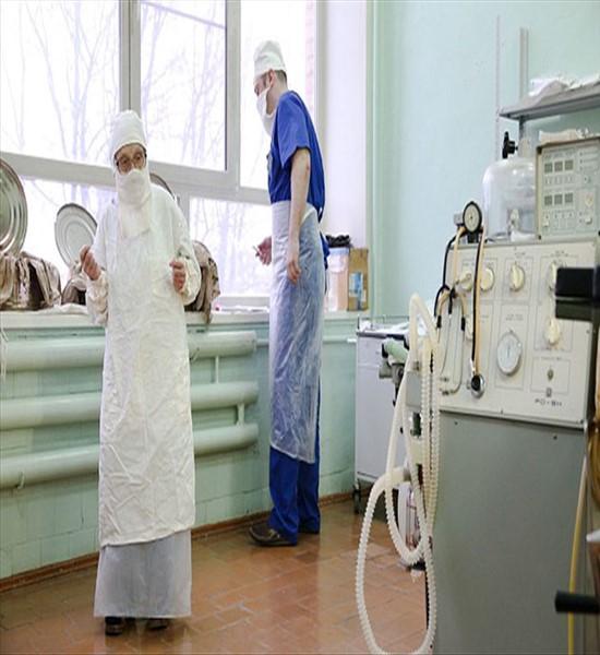 با پیرترین جراح زن دنیا آشنا شوید (عکس)