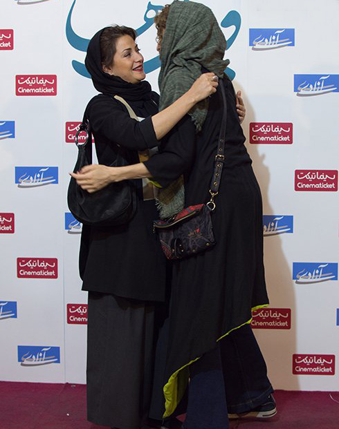 شیطنت جنجالی این دو خانم بازیگر (عکس)