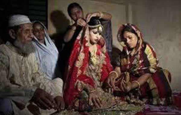 ازدواج اجباری این دختر با پیرمرد 75 ساله (عکس)