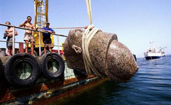 کشف شهر افسانه ای مصر در اعماق دریای مدیترانه (عکس)