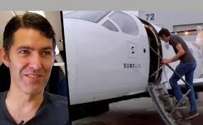 این مرد با هواپیمای شخصی اش به سرکار میرود (عکس)