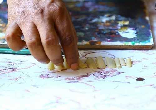 کشیدن نقاشی های فوق العاده رو ناخن ها