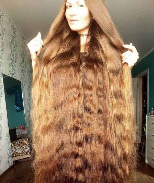 زنی که 14 سال است موهایش را کوتاه نکرده (عکس)