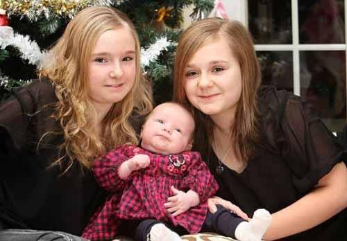 سه قلوهایی که هرکدام بعد از 11 سال به دنیا آمدند