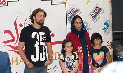 واکنش صمیمی پریناز ایزدیار در مقابل طرفدارانش (عکس)