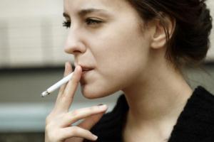 سیگار چگونه ظاهر ما را خراب میکند؟