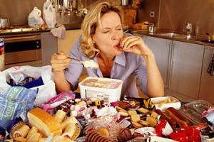چگونه با پرخوری ناشی از استرس برخورد کنیم